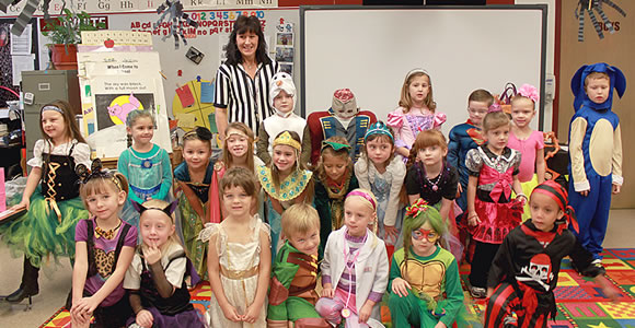 Mrs. Whiteu0027s kindergarten class held their Halloween party last Friday. Students wore their costumes  sc 1 st  Clarendon Live & Halloween fun : Clarendon Live